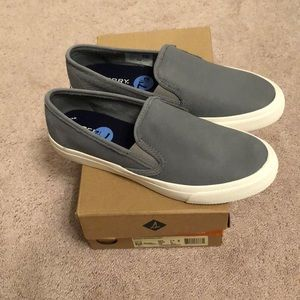 *** BRAND NEW, NEVER WORN Sperry Topsiders